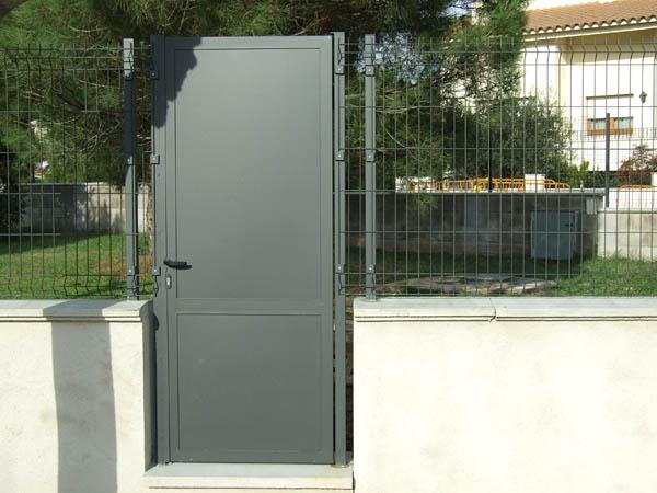Puertas chapa galvanizada stunning puerta seguridad for Puertas de chapa galvanizada